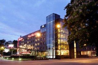 Meriton Grand Conference and Spa