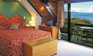 Waiteti Lakeside Lodge