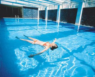 Oleander Beach Resort, Hallenbad